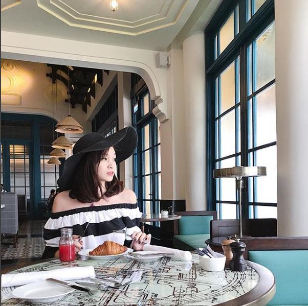 Sắp 30 đến nơi, cựu hot girl Ngọc Mon vẫn trẻ trung sành điệu, hưởng thụ cuộc sống viên mãn bên chồng kém tuổi 34
