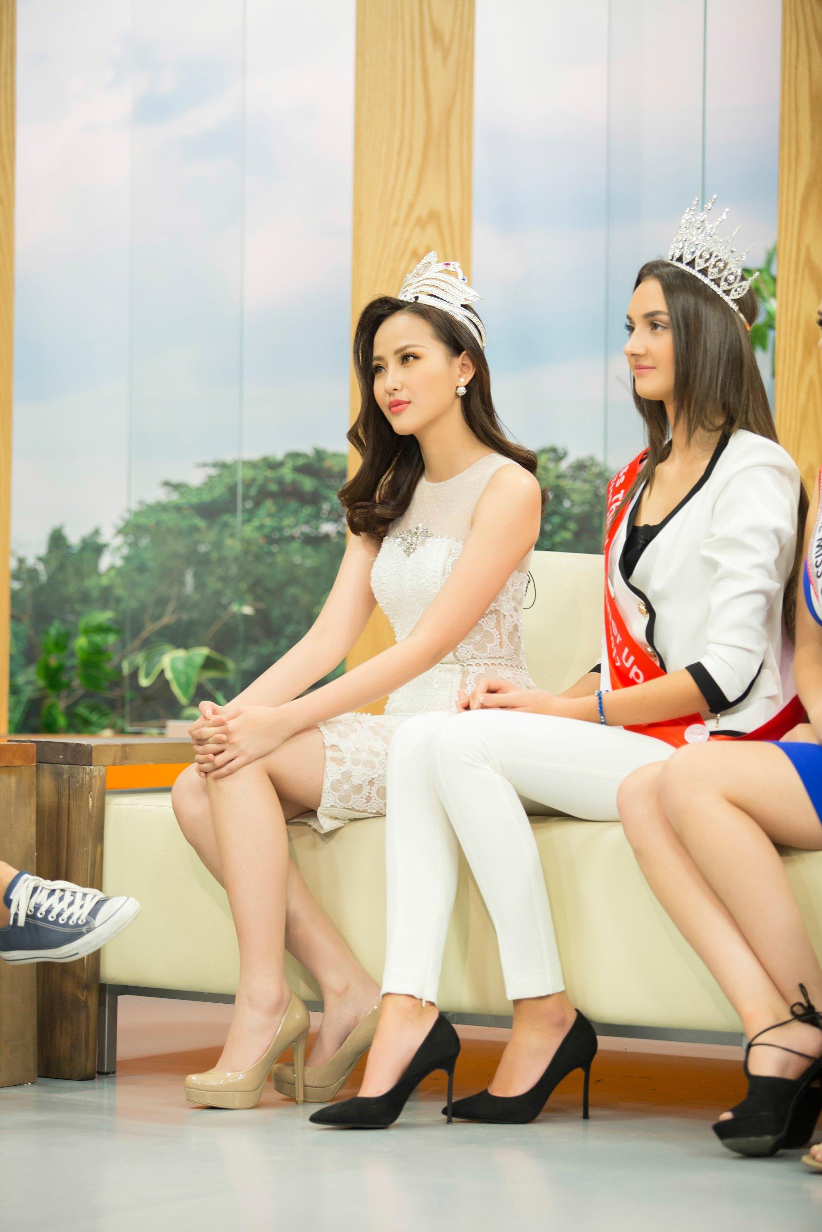Khánh Ngân xuất hiện rạng rỡ sau khi đăng quang Miss Globe 3