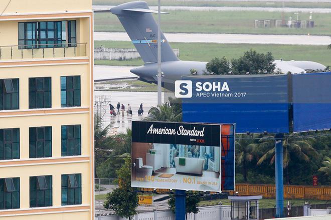 Đặc vụ Mỹ vừa xuống sân bay Đà Nẵng, mang theo chó nghiệp vụ và thiết bị chuyên dụng 2