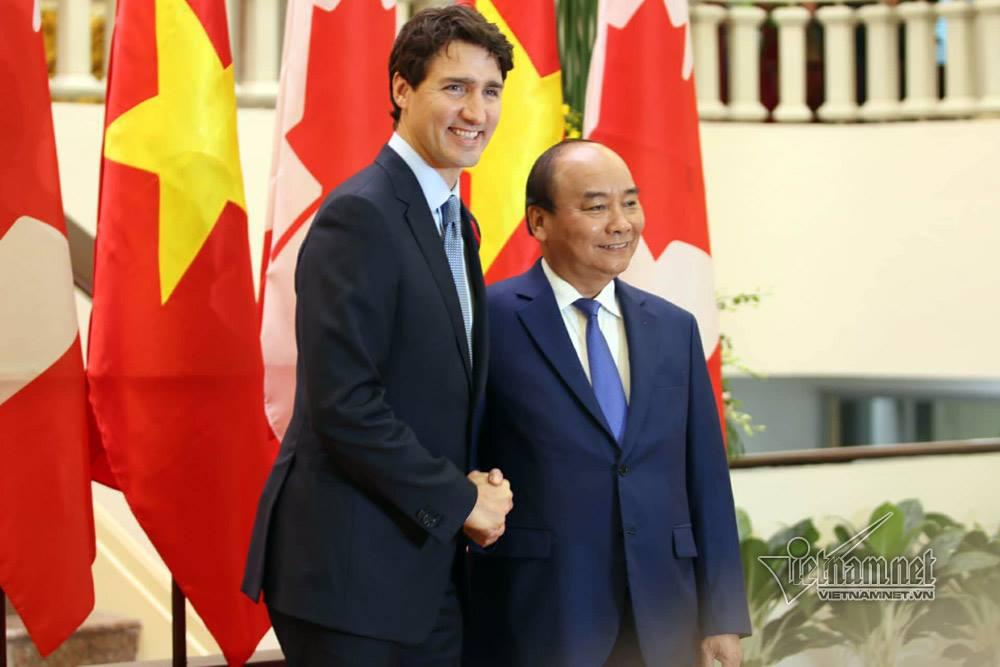 Hình ảnh APEC 2017: Hình ảnh lễ đón chính thức Thủ tướng Canada tại Hà Nội số 4