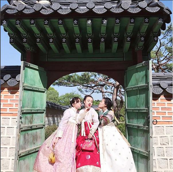 Sắp 30 đến nơi, cựu hot girl Ngọc Mon vẫn trẻ trung sành điệu, hưởng thụ cuộc sống viên mãn bên chồng kém tuổi 25