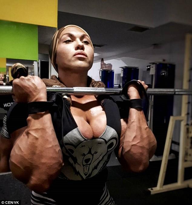 Kinh ngạc nữ quyền anh vạm vỡ cơ bắp nhất nước Nga khiến bao nam giới mong ước 3