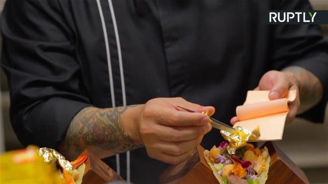 Bánh Taco giá 570 triệu: Muốn ăn không chỉ đủ tiền mà còn phải có điều kiện kèm theo 5