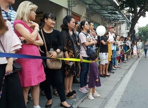 Người dân Hà Nội háo hức chờ đón Tổng thống Trump 8