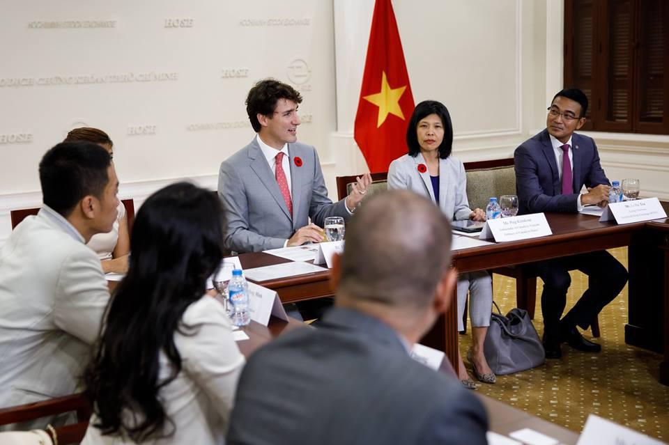 Nhìn lại những khoảnh khắc ấn tượng của Thủ tướng Canada Justin Trudeau trong 4 ngày ở Việt Nam 5