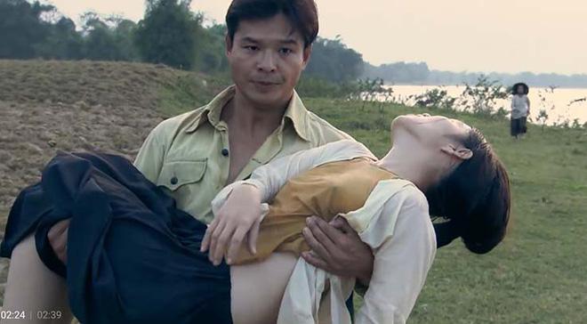 Cảnh quay diễn viên nữ không mặc nội y phim Việt Thương nhớ ở ai gây tranh cãi - Ảnh 2.