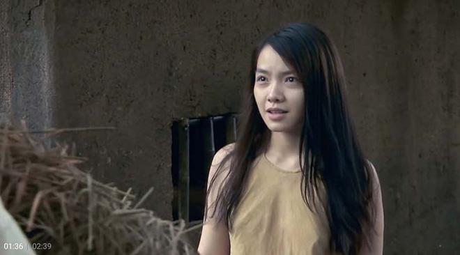 Cảnh quay diễn viên nữ không mặc nội y phim Việt Thương nhớ ở ai gây tranh cãi - Ảnh 1.