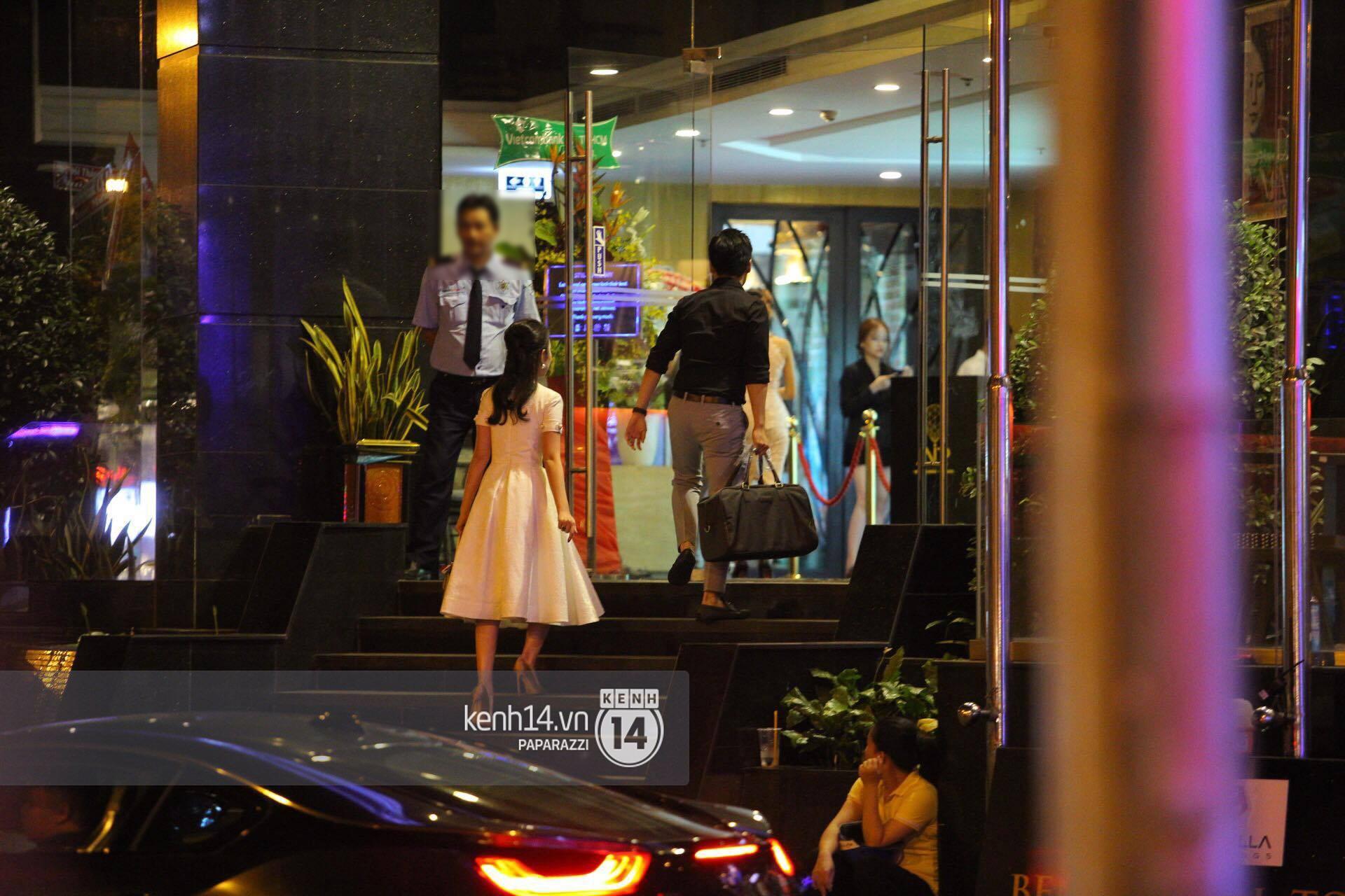 Bắt gặp Phan Thành - Xuân Thảo nắm tay tình tứ sau tiệc sinh nhật 4