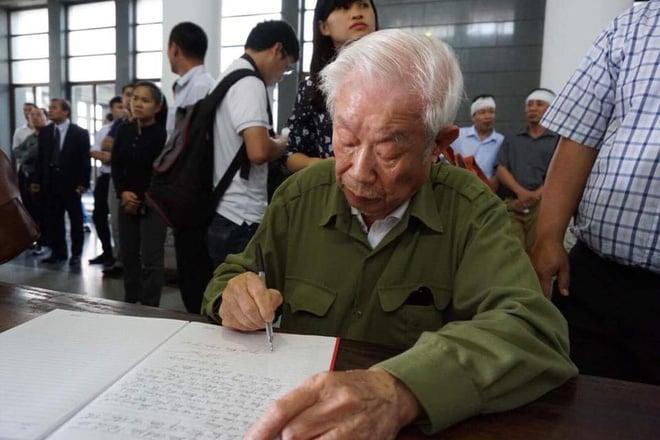 Tang lễ cụ Hoàng Thị Minh Hồ: Trưởng nam công khai di nguyện của cụ bà trước khi mất 10