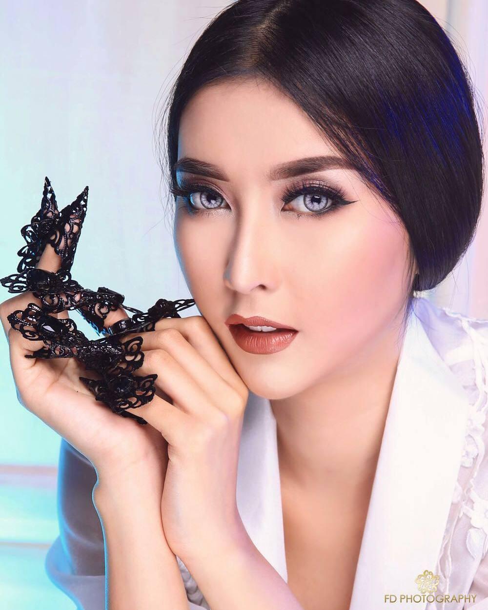 Nhan sắc xinh đẹp của đại diện Indonesia, cô gái đánh bại hơn 70 đối thủ đăng quang Miss International 2017 - Ảnh 4.