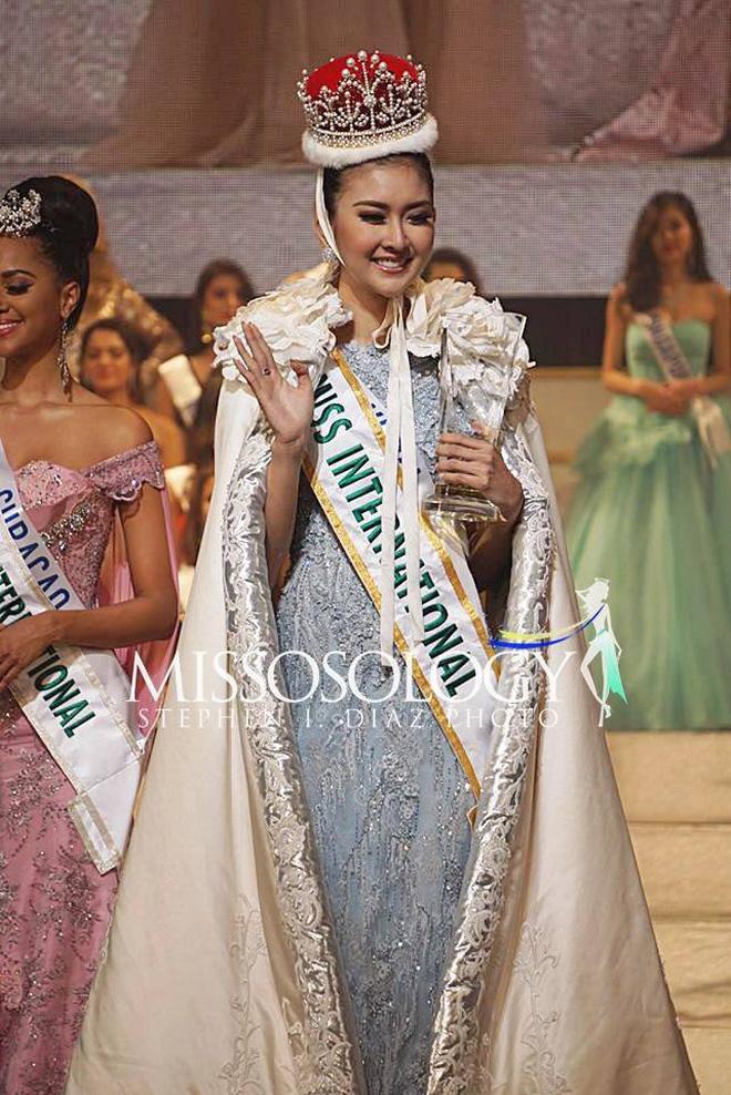 Hình ảnh Nhan sắc xinh đẹp của đại diện Indonesia, cô gái đánh bại hơn 70 đối thủ vừa đăng quang Miss International 2017 số 3