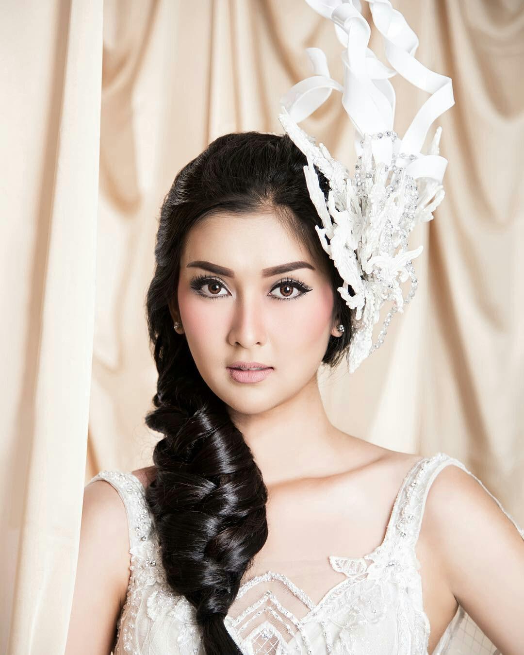 Nhan sắc xinh đẹp của đại diện Indonesia, cô gái đánh bại hơn 70 đối thủ đăng quang Miss International 2017 - Ảnh 5.