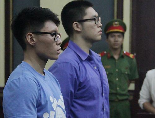 Thanh niên Trung Quốc hành hung CSGT khi bị bắt vi phạm 1