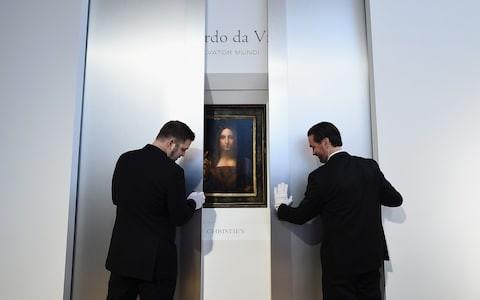 Bức họa Salvator Mundi (Đấng Cứu Thế) phá kỷ lục với mức giá 450 triệu USD 2