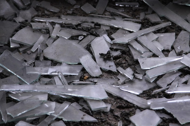 Nhiều kim tiêm dính máu bị vứt tràn lan trong khu biệt thự tiền tỷ ở Hà Nội 13