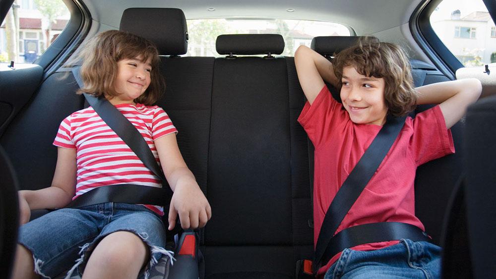 Hình ảnh Từ 1/1/2018: Ngồi trên ô tô không thắt dây an toàn sẽ bị phạt tiền số 1