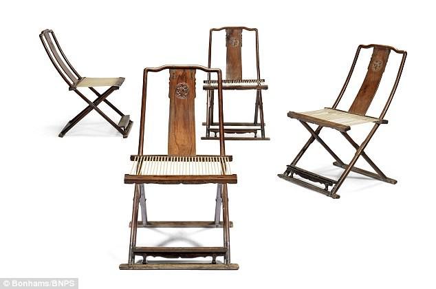 Cận cảnh bộ ghế gỗ giá 160 tỷ đồng 1