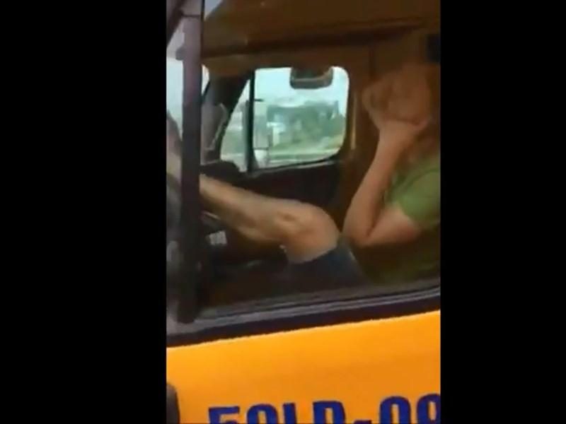 Đã tìm ra tài xế đầu kéo vừa lái bằng chân vừa nghe điện thoại 1