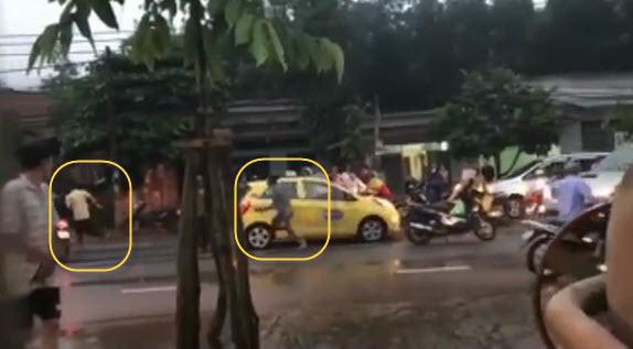 Tài xế bị 3 thanh niên cầm gạch đập đầu vì đi xe làm văng nước 1