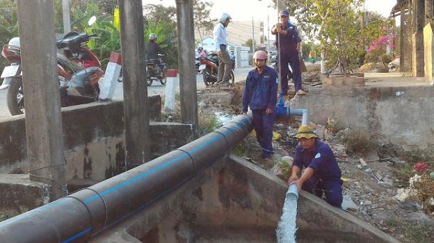 Phát hiện thi thể nam kỹ sư nằm trên đường ống thoát nước thải công ty 1