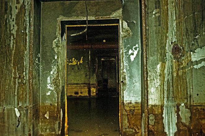 Thâm nhập hầm trú ẩn bí mật của Hitler sâu 30m dưới lòng đất: Đội thám hiểm bị ám ảnh 12