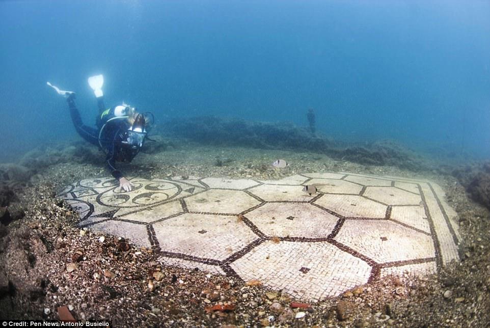 Phát hiện thành phố của giới siêu giàu La Mã cổ đại chìm dưới đáy biển 3