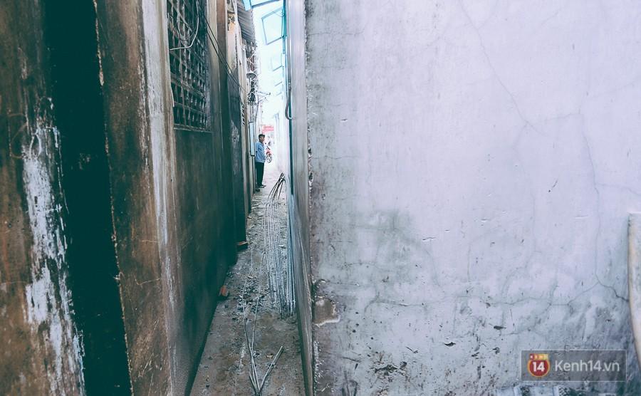 Từ vụ cháy nhà trong hẻm nhỏ khiến 3 mẹ con tử vong ở Sài Gòn: Thấp thỏm sống trong những con hẻm chỉ vừa một người đi 12