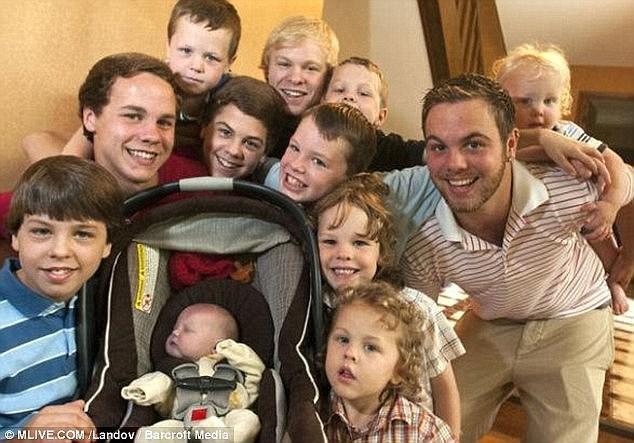 Cặp vợ chồng cố sinh bằng được con gái, đứa trẻ thứ 13 chào đời khiến họ không thốt nên lời - Ảnh 5.