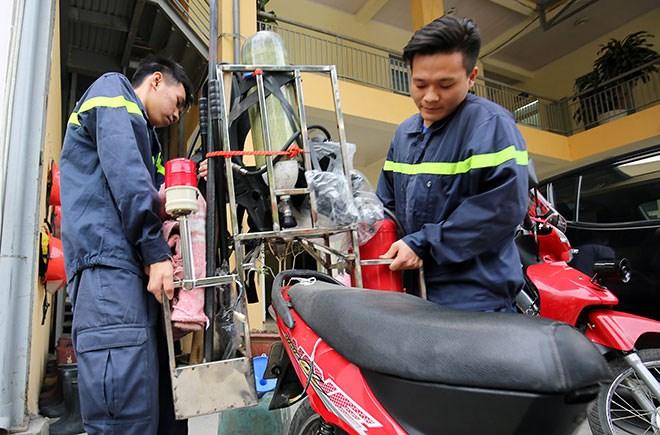 Cận cảnh xe chữa cháy siêu nhỏ lần đầu tiên xuất hiện tại Hà Nội 2