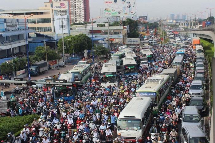 Thu phí ôtô vào trung tâm TP HCM: Người dân rơi vào cảnh