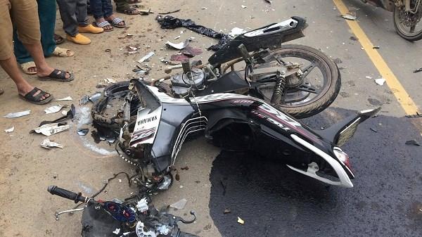 Xe UBND huyện va chạm với xe máy, 3 người tử vong trên quốc lộ 2