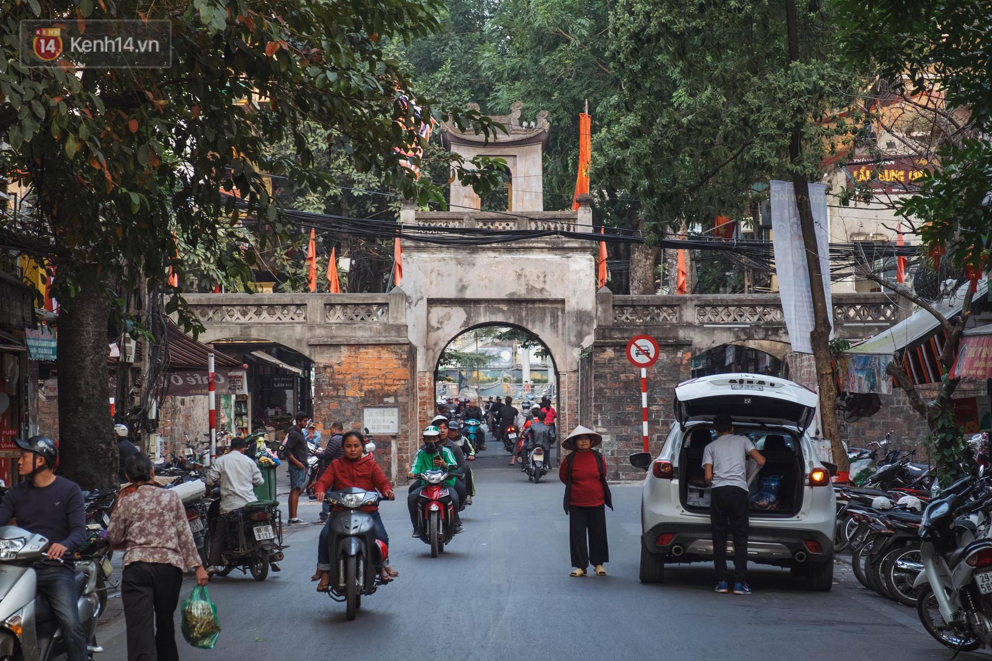 Chuyện người đàn ông ở Hà Nội 20 năm canh giữ cửa ô duy nhất còn lại của kinh thành Thăng Long xưa 1