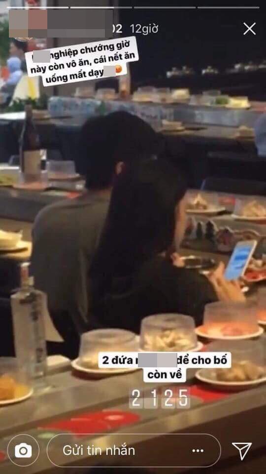 Đi ăn muộn, bị nhân viên nhà hàng chụp hình đăng mạng xã hội