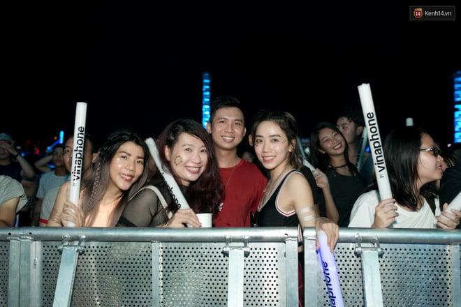 Hình ảnh Đi rave show Armin và đây là những cô nàng nóng bỏng nhất! số 21
