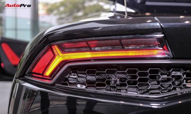 Lamborghini Huracan màu đen đầu tiên Việt Nam đã có chủ nhân 8