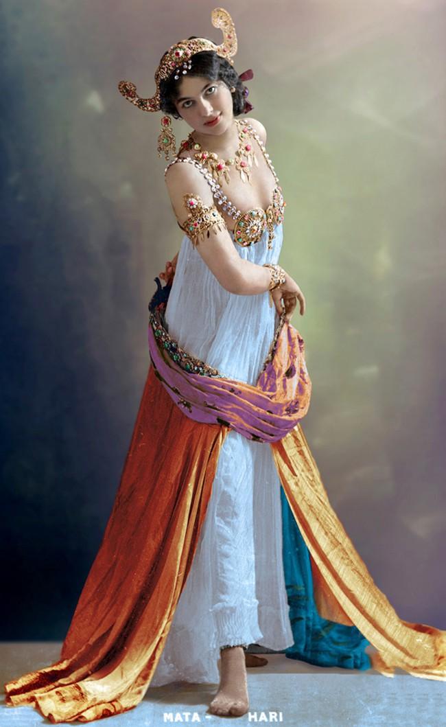 Nữ điệp viên Mata Hari huyền thoại với vũ điệu thoát y khiến hơn 50.000 lính Pháp phải bỏ mạng trong thế chiến 3