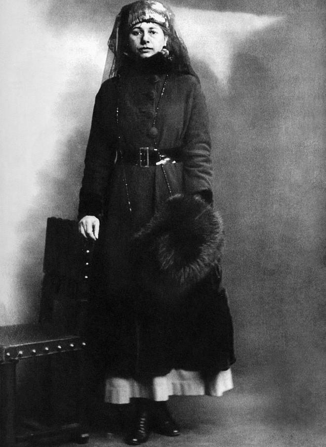 Nữ điệp viên Mata Hari huyền thoại với vũ điệu thoát y khiến hơn 50.000 lính Pháp phải bỏ mạng trong thế chiến 6