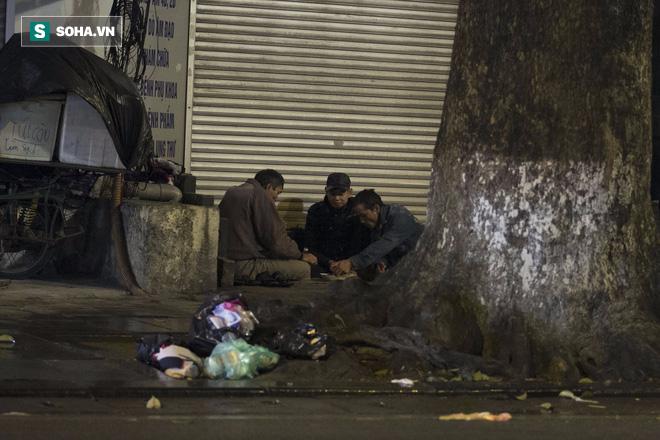 Người vô gia cư Hà Nội, những ngày giá lạnh này họ ở đâu? 5