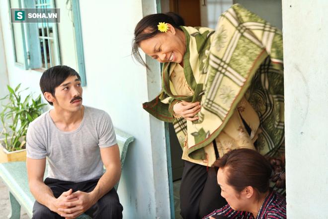 Việt Hương khắp người bầm tím, chân chảy máu vì đóng cảnh bị cưỡng bức 3