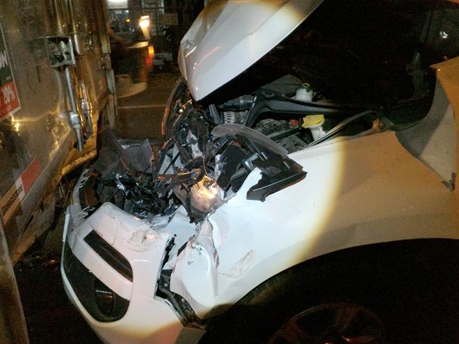 4 ô tô tông liên hoàn trên đường dẫn cao tốc, 5 người thoát chết 2