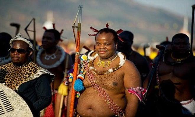 Ảnh: Vị vua có hơn 10 vợ nhưng mỗi năm vẫn tuyển thêm hàng chục nghìn trinh nữ 6