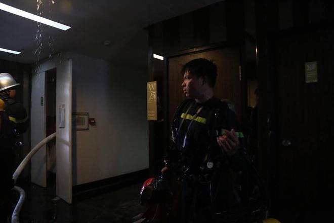 Bên trong tầng 25 - nơi phát ra đám cháy tại chung cư cao cấp 9