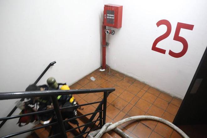 Bên trong tầng 25 - nơi phát ra đám cháy tại chung cư cao cấp 15