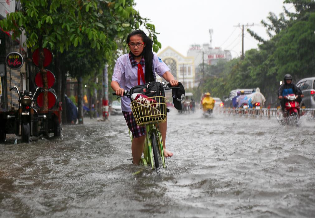 Công điện hỏa tốc: Toàn bộ học sinh, sinh viên Sài Gòn nghỉ học tránh bão Tembin 1