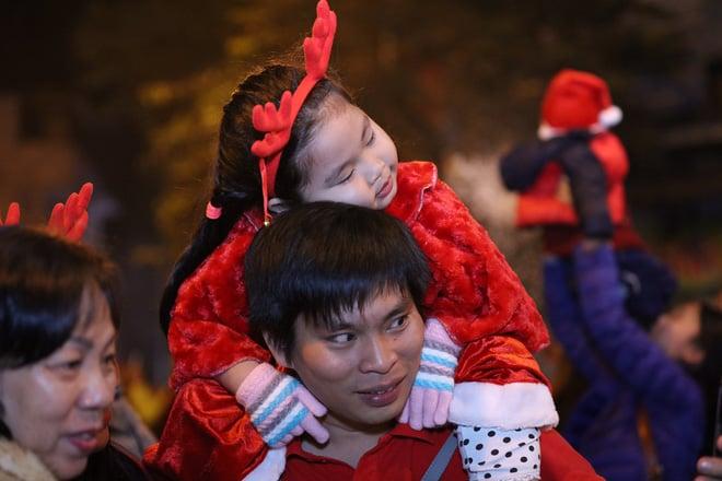 Giáng sinh 2017: Nhà thờ lớn Hà Nội chật cứng người, nhiều nơi tắc nghẽn 9