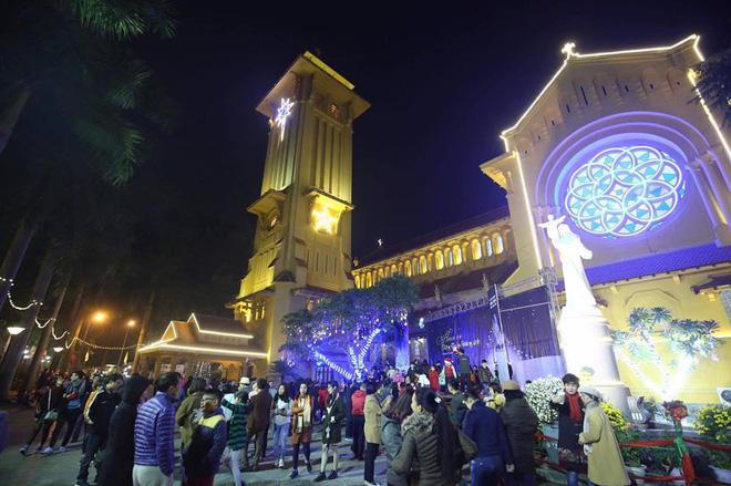 Giáng sinh 2017: Nhà thờ lớn Hà Nội chật cứng người, nhiều nơi tắc nghẽn 20