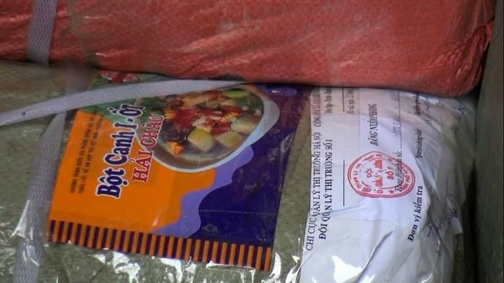 Phát hiện gần 1 tấn bao bì bột ngọt, bột canh nghi bị làm giả hãng nổi tiếng 3