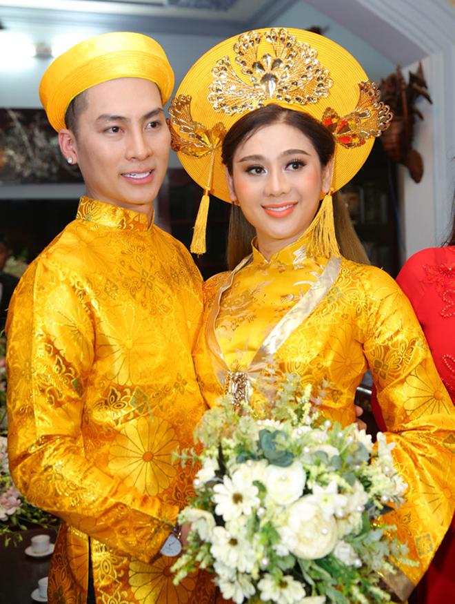 Mời 4 người yêu cũ dự cưới và những điều hy hữu, kỳ lạ trong đám cưới của Lâm Khánh Chi 5