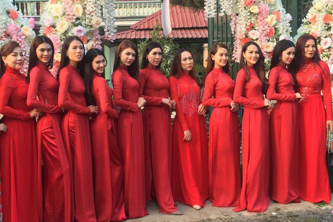 Mời 4 người yêu cũ dự cưới và những điều hy hữu, kỳ lạ trong đám cưới của Lâm Khánh Chi 2