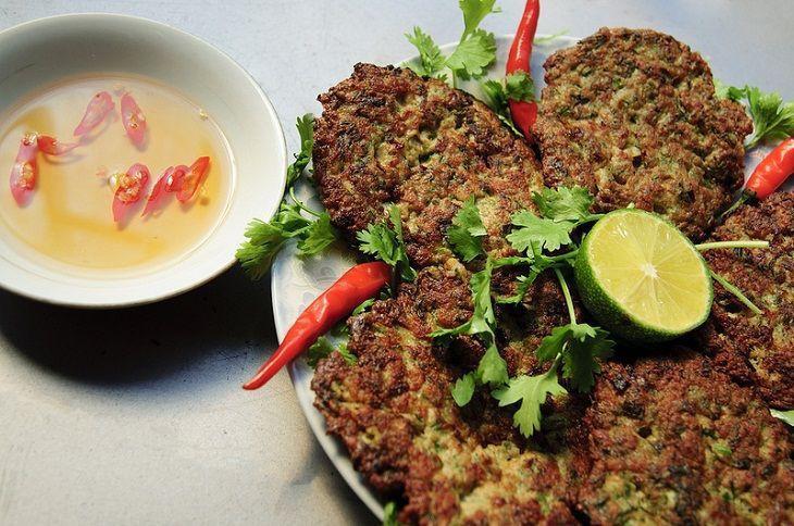 Những món ăn côn trùng kinh dị không phải ai cũng dám thử, đặc sản Việt Nam cũng góp mặt trong đó 6